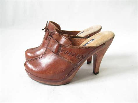 wooden heel clogs for reserved vintage 70s boho wooden heel clogs size 6 1 2