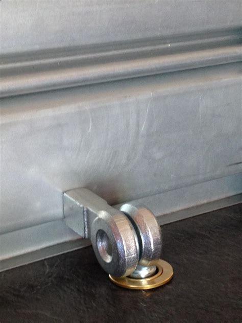 porte cadenas viro 695 pour rideaux metalliques serrure