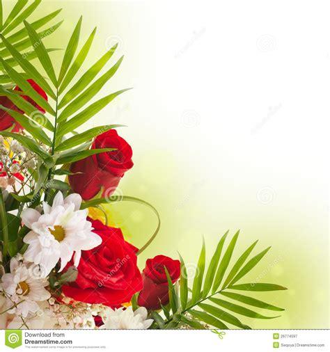 imagenes de arreglos de rosas hermosas en escritorio de oficina rosas hermosas en estilo retro imagen de archivo imagen