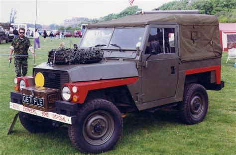 land rover british military items military vehicles military trucks