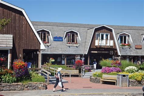 cannon beach oregon shopping retail shops and stores