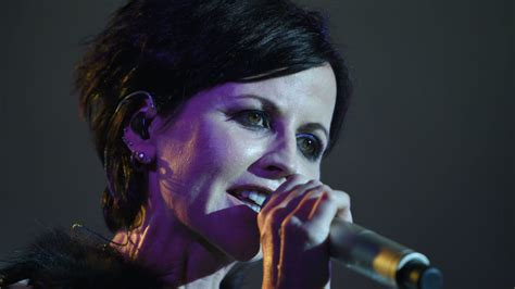 what singer died today 2016 cranberries lead singer dolores o riordan dies aged 46