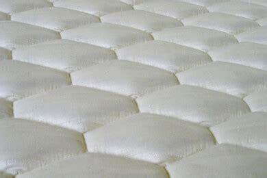 wie reinigt matratzen der aufbau einer latexmatratze und der vorteil f 252 r
