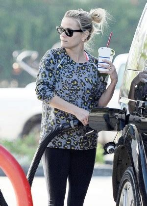 emma watson wedgie stories apexwallpapers com reese witherspoon at a gas station in santa monica