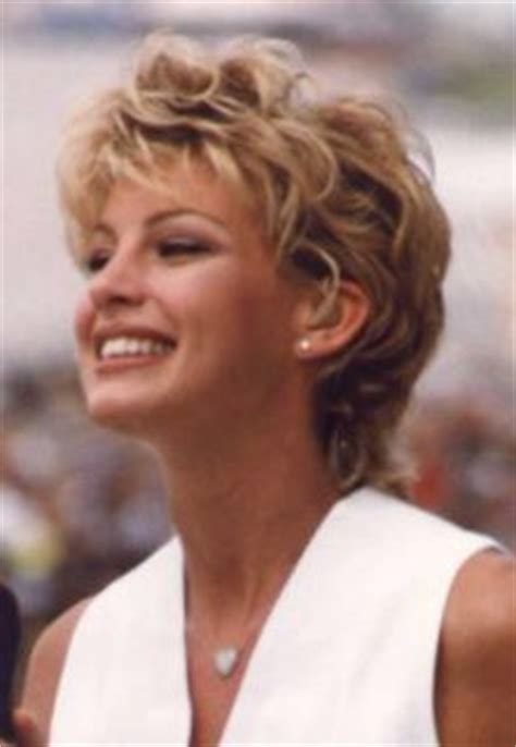 faith hill short again??? hairtalk® 60471