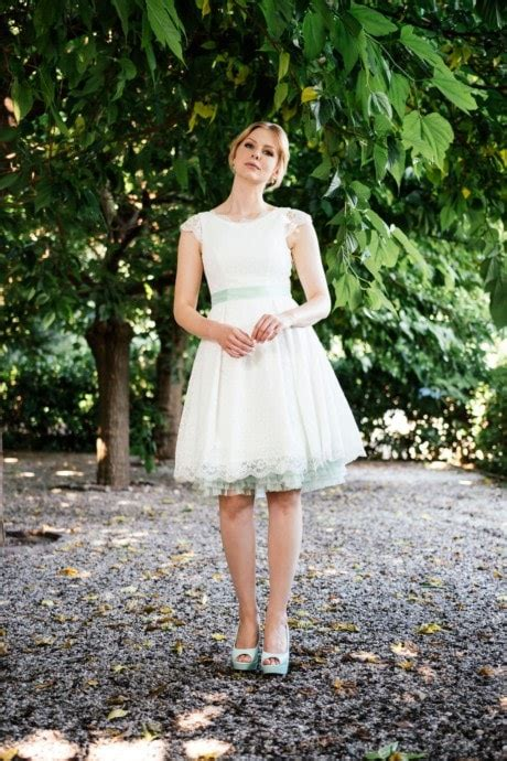 Hochzeitskleid Schuhe by Kurze Brautkleider Standesamt Hochzeitskleider L 228 Ssig Frech