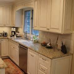 Kitchen Cabinet Valance by 1000 Images About Valances On Wood Valance