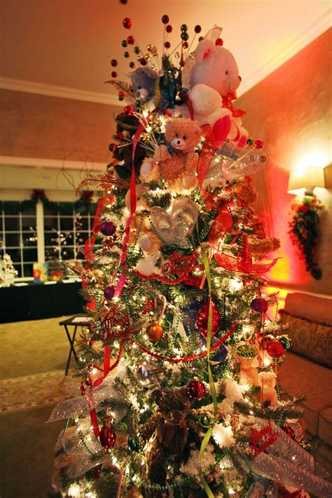 enchanted forest christmas trees enchanted forest aiming for epic this year entertainment bakersfield