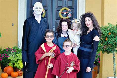 halloween themes for families group halloween costumes for family halloween costume