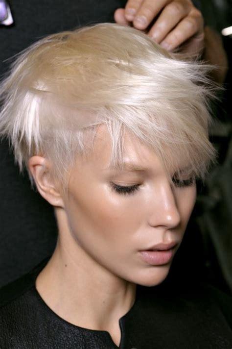 bobcat hair styles 15 tagli corti per le donne che hanno i tagli corti biondo platino