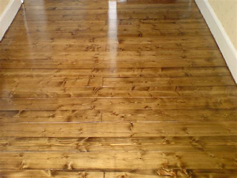 Pine Floors Stained by Staining Finishing
