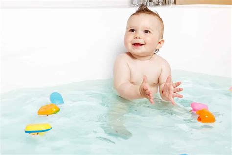 parentsneed how to make your baby bath time a happy one