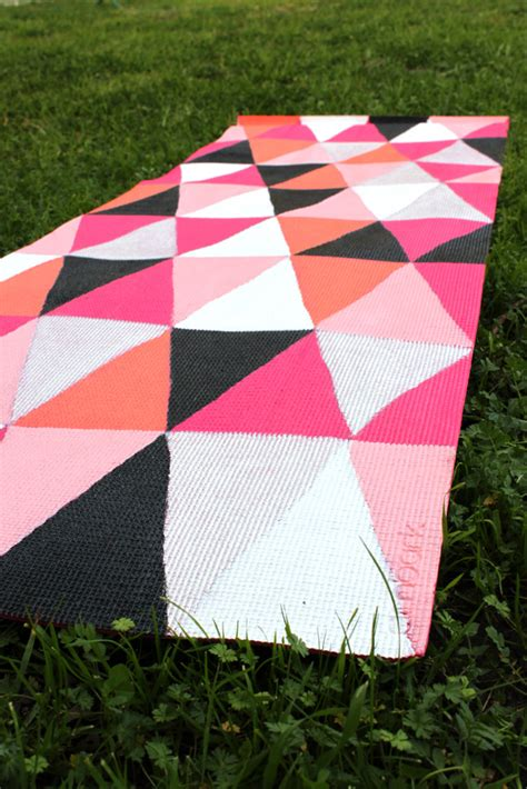 diy mat diy painted mat how to thesassylife