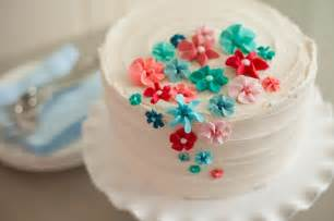 learn cake decorating with creativebug wedding cakes