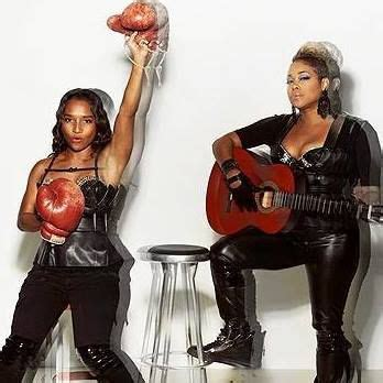t boz and chilli argue on who loves tlc more youtube i love the 90s returns to salem with tlc naughty by