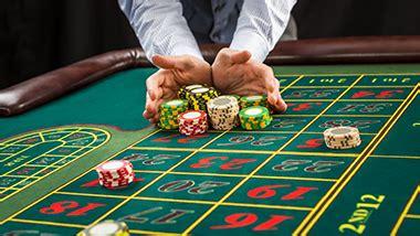 casino slots poker table games hollywood casino aurora
