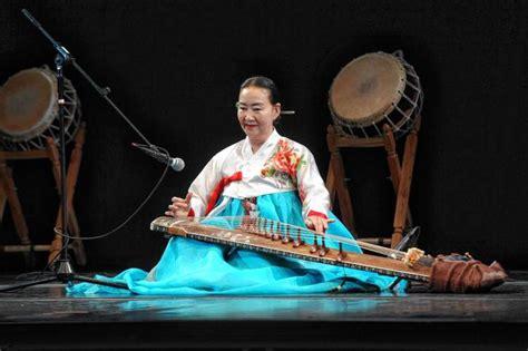 traditional new year entertainment flushing town kicks lunar new year celebration