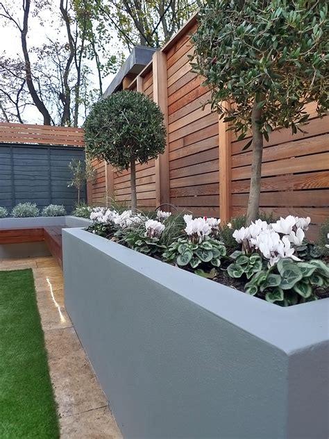 modern garden design small london cedar screen grey raised
