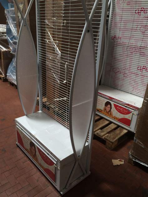 scaffali espositori per negozi espositori usati per cosmetica scaffali usati bologna