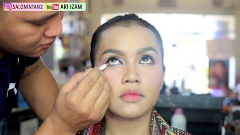 tutorial makeup mata barbie tutorial makeup mata barbie simple mudah by ari izam