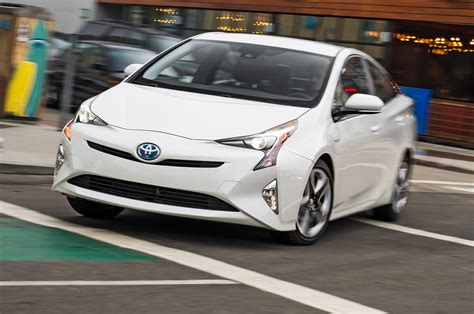 Toyota Prius 4 2016 Toyota Prius Review And Rating Motor Trend