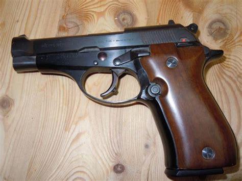 acquisto armi senza porto d armi vendo beretta 81 cal 7 65 usata come nuova modello 81