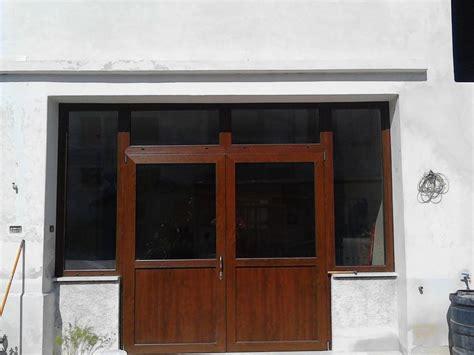 foto portoncini ingresso foto portoncino ingresso vetrato 2 ante pvc di