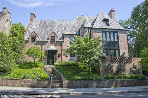 obama residence here s why people are livid over the obamas new mansion