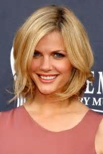 Medium blonde hairstyle from the celebrity hairstyles collection no