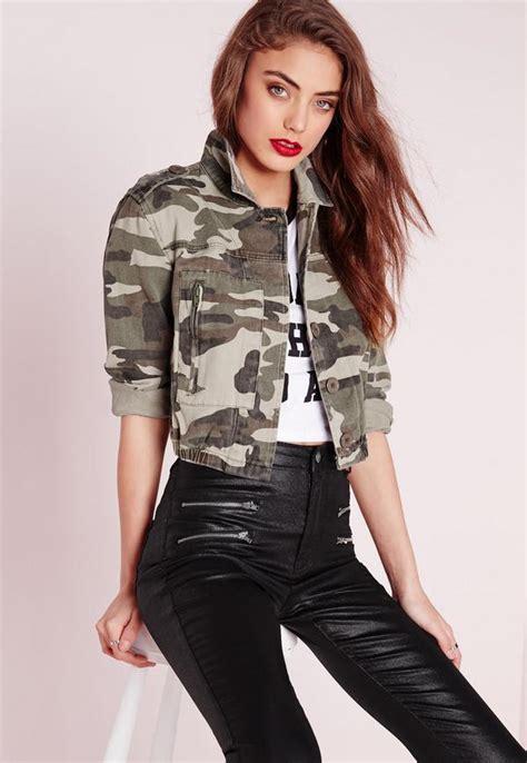 Cropped Camouflage cropped camo jacket khaki missguided