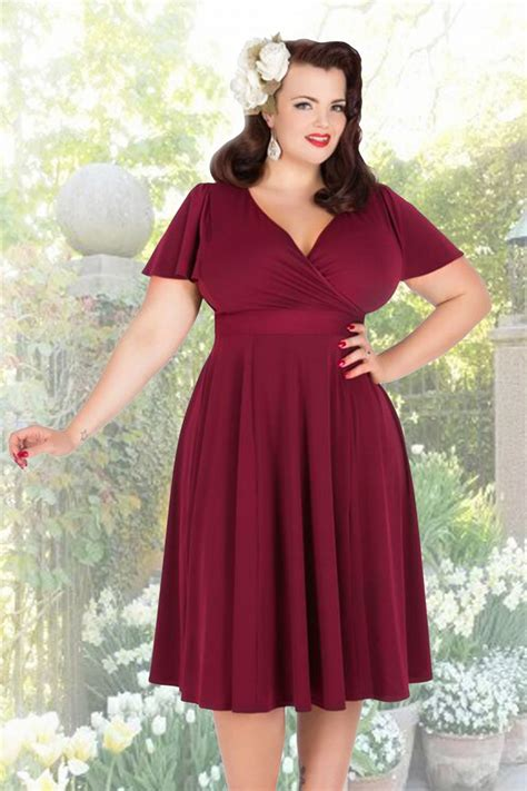 50s lyra dress in burgundy