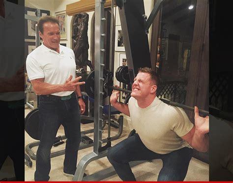 jj watt max bench arnold schwarzenegger best buddies lifting sesh