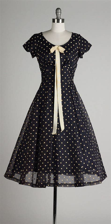 25 best ideas about vintage clothing styles on