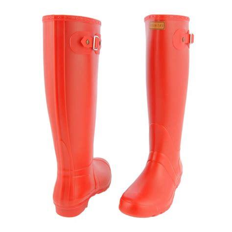 imagenes de botas rojas pin by paula alonso on disfrutando de la lluvia wellies