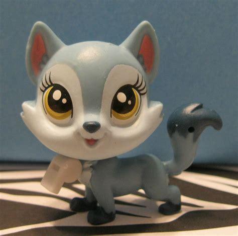 littlest pet shop puppy littlest pet shop 3806 wolfgang blue husky puppy ebay