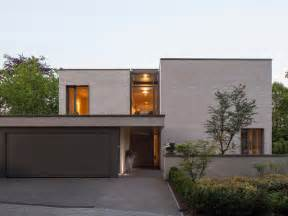 Garages With Lofts Blick Auf Den Eingang Modern Haus Amp Fassade Essen