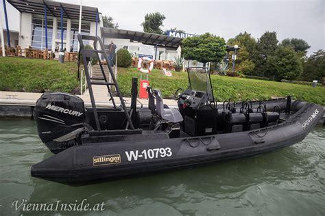 speedboot wien spider rock auf der donau viennainside at