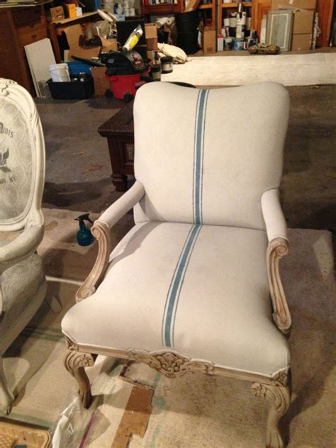 Painting Upholstery by Painting Fabric With Sloan Chalk Paint