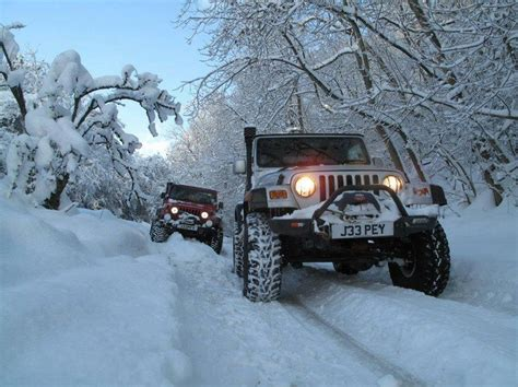 Jeep In The Snow Snow Jeeps Jeepers