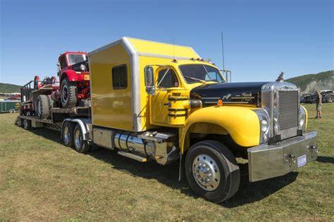 Guess 1070 Semi american truck quot mack quot vehicles