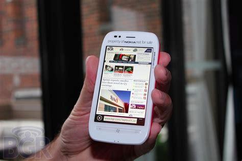 Gambar Dan Hp Nokia Lumia 710 Nokia Lumia 710 Versi Murah Lumia 800 Fitur Sedikit Dipangkas Review Hp Terbaru