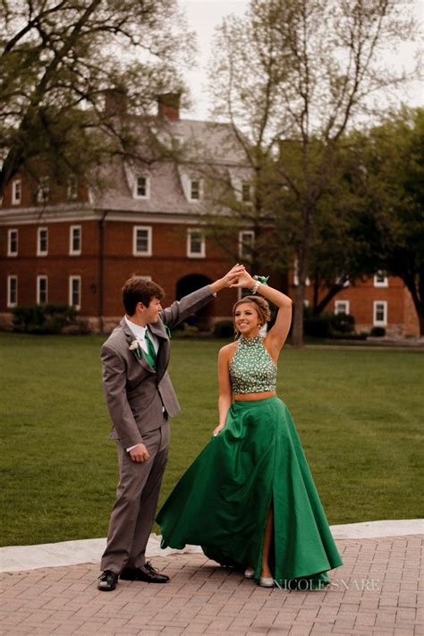 hot prom themes best 20 prom pictures couples ideas on pinterest