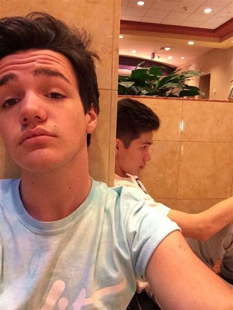 hayes grier new hairstyles omg yes aaron be lookin cute with his new hair cut