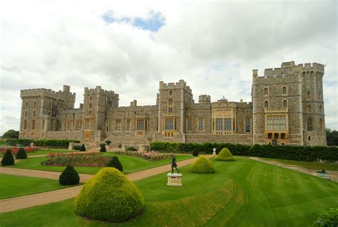 most beautiful english castles 10 most beautiful castles in england vietravel