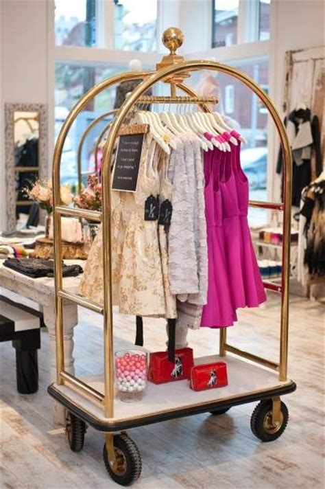 Rack Shopping by 25 Best Ideas About Clothing Store Displays On