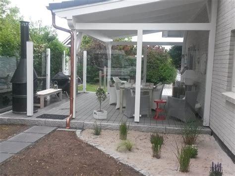 terrasse mit dach holzterrassen und holzfliesen