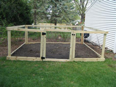 garden chicken wire fence ideas  diy