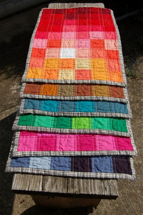 quilting placemats tutorial pixelated spectrum placemats tutorial by sarah wv via