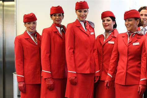 schiebetür außen aua quot neue quot alte uniformen f 252 r flugbegleiter austrian wings