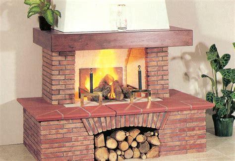 caminetti rivestiti in legno pittura pareti cucina classica